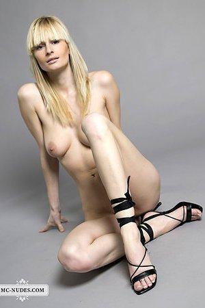 nackt Urban Karolina Kim Kardashian